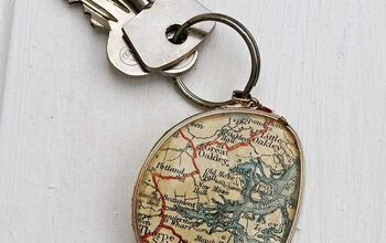 Upcycle Broken Eyeglasses Into a Personalized Map Keychain