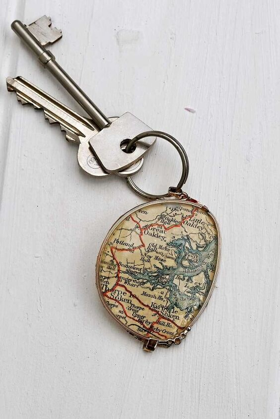 upcycle broken eyegasses into a personalized map keychain