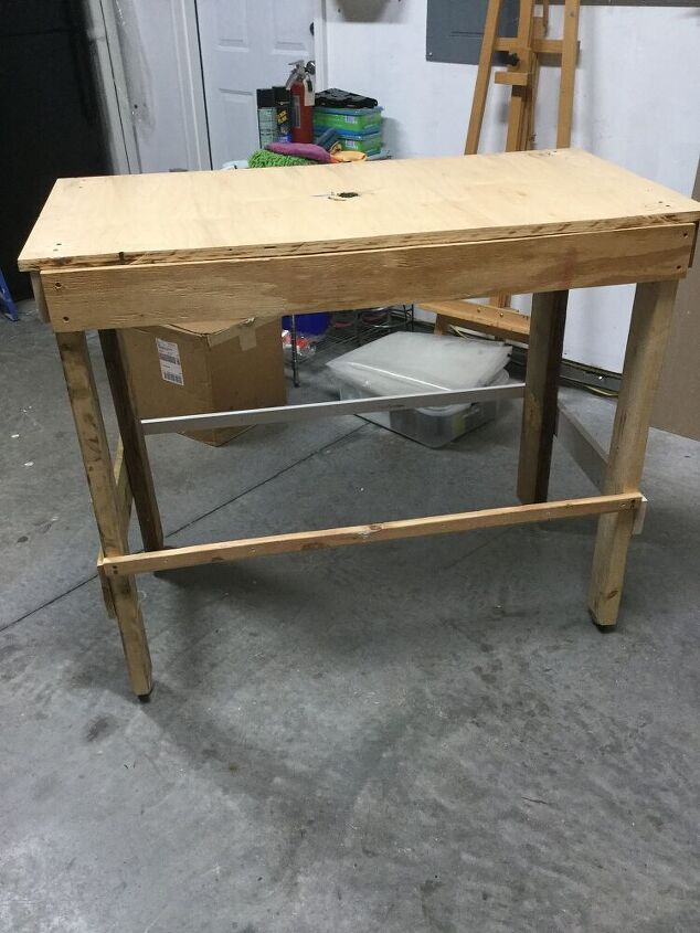 potting table using a lot of scraps