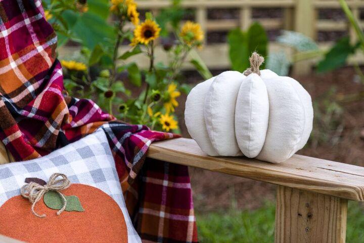 Fabric pumpkins and pumpkin applique pillow