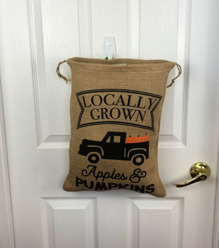 fill a burlap bag for this fall decoration