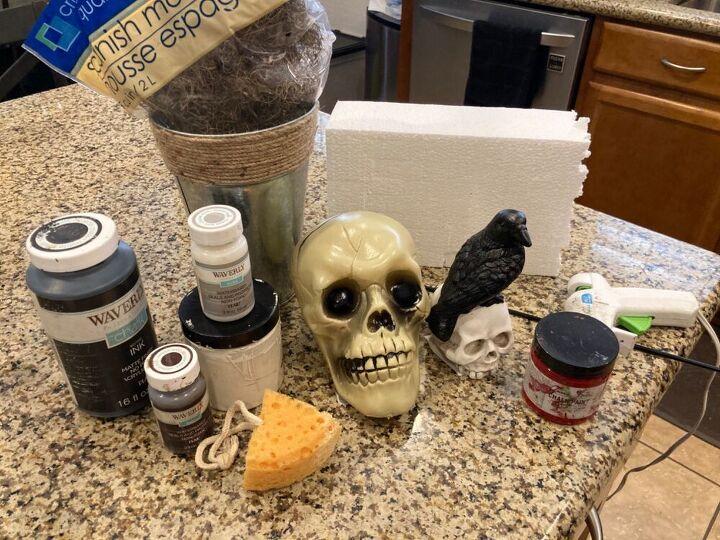 halloween diy skull topiary