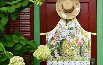 Easy 10-Minute Shed Door Décor for Summer