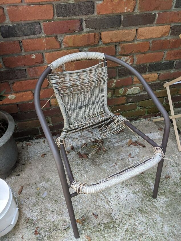 q outdoor chair what to do