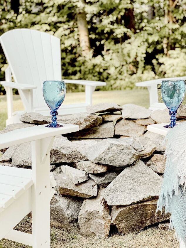how to build a simple and classic backyard stone fire pit