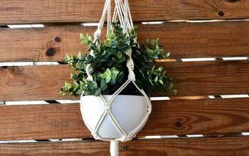 DIY Macrame Plant Hanger // Tutorial For Beginners