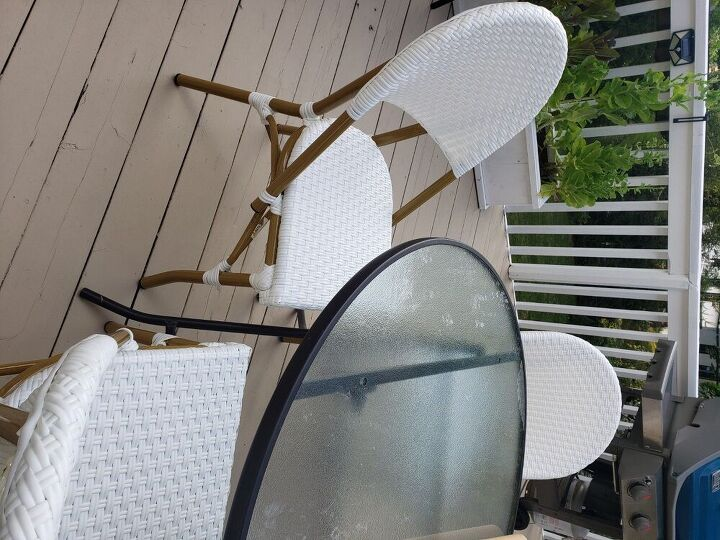 how i turned my patio table into a matching set for new bistro chairs