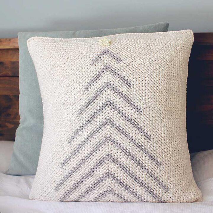 crochet christmas tree pillow