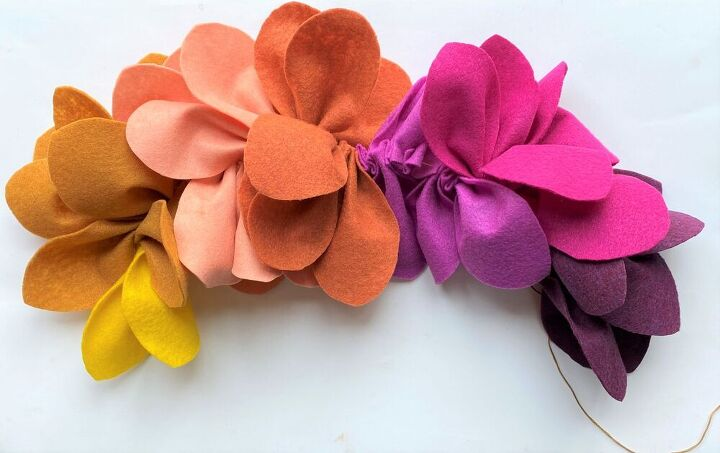 diy colorful felt leaf wreath