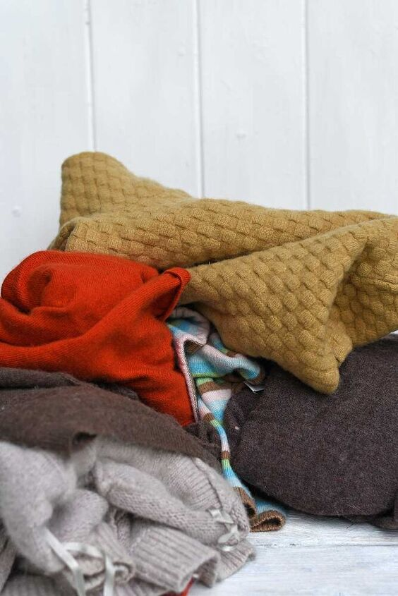 upcycled sweater pillows for fall