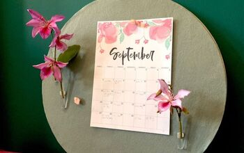 Round Pinboard With Pin-on Bud Vases