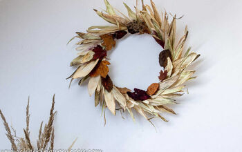 Autumn Wreath With Corn Husk Leaves