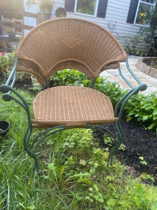 q what color should i paint these outdoor chairs