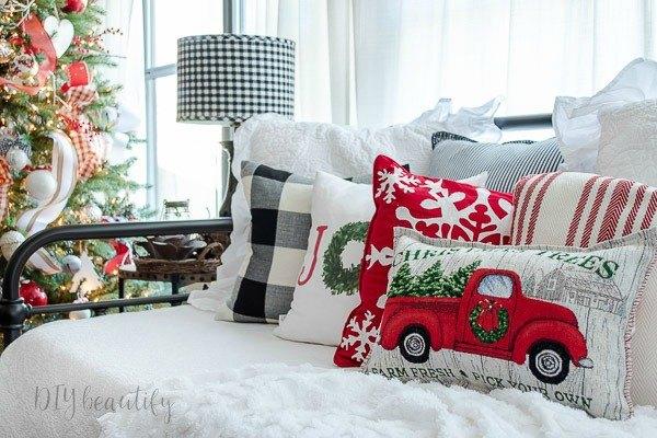 diy designer pillows using inexpensive placemats