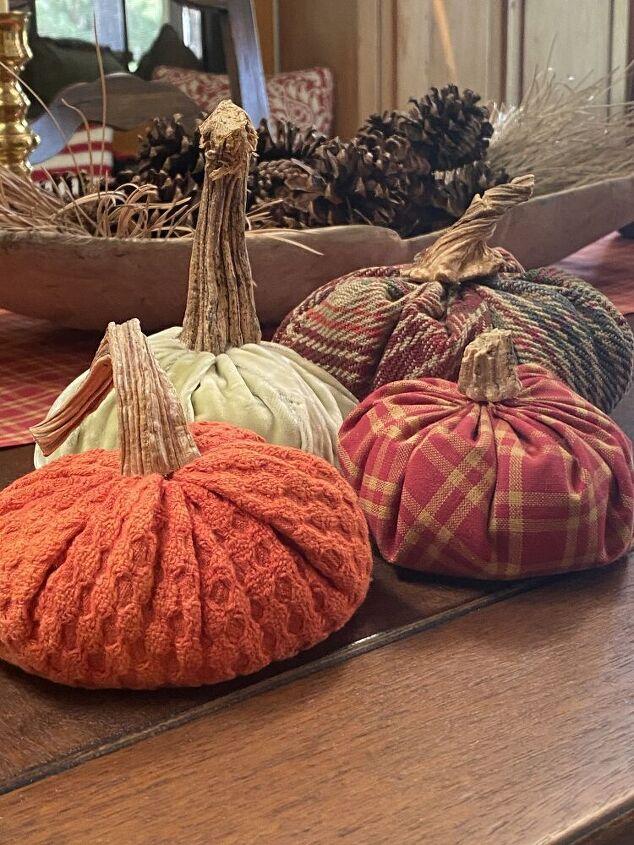 making fabric pumpkins
