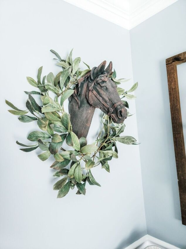 faux rusted horse head
