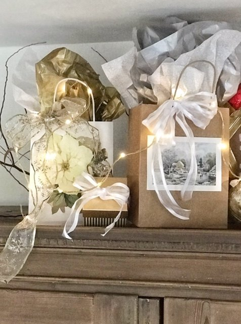 quick easy and inexpensive diy christmas gift bags