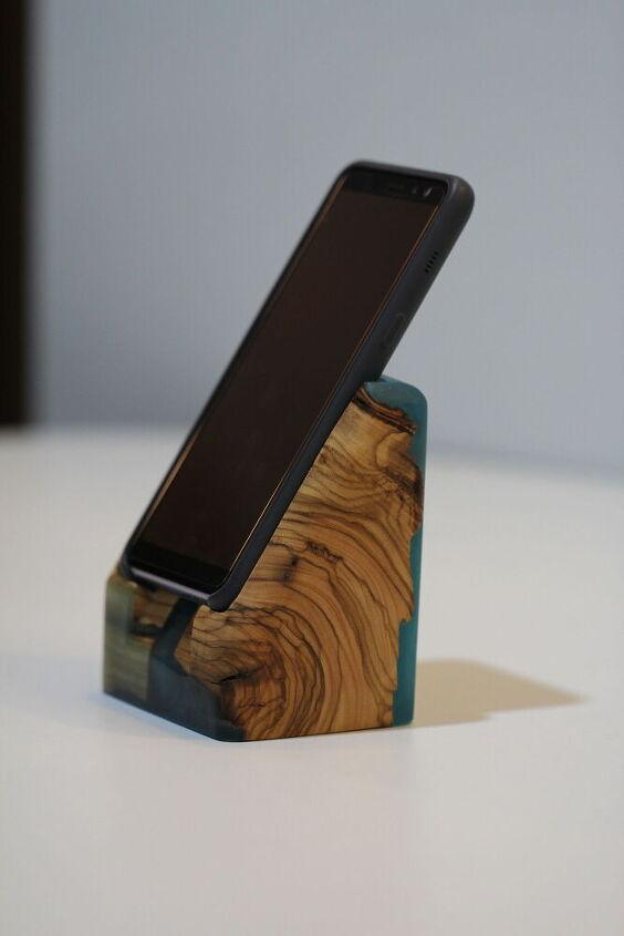epoxy phone stand