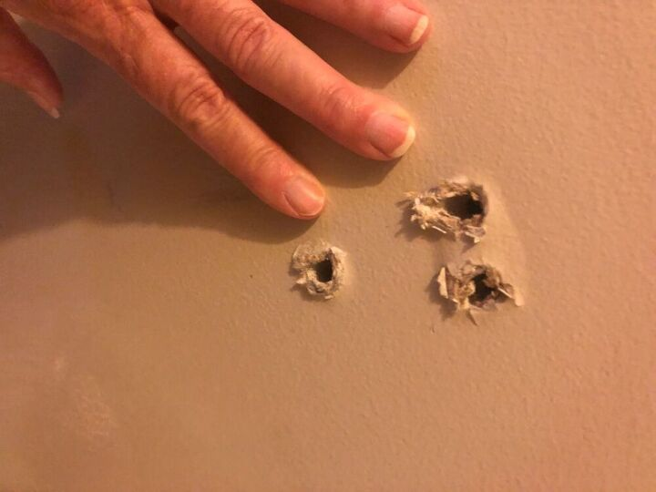 how to fix a stair railing that has pulled from sheetrock