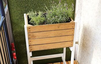 Build a Mini Raised Bed From a Fruit Crate