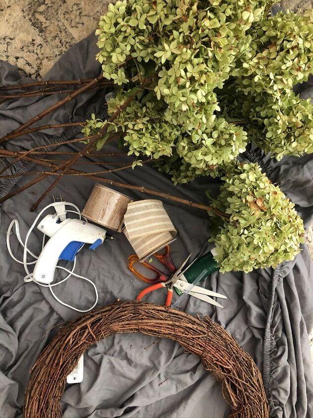 fall grapevine wreath using dried hydrangeas