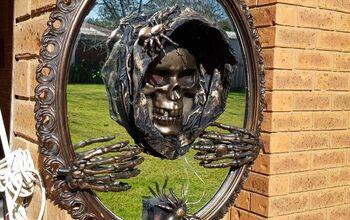 Creepy 3D Halloween Mirror