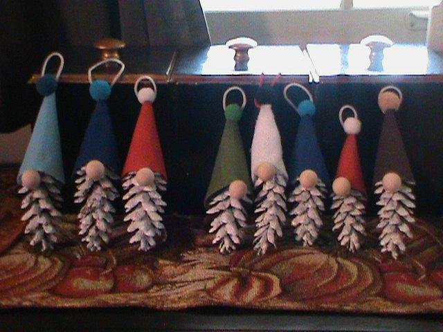 how to make pine cone gnome ornaments