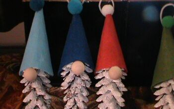 How to Make Gnome Ornaments With Pine Cones for the Christmas Tree