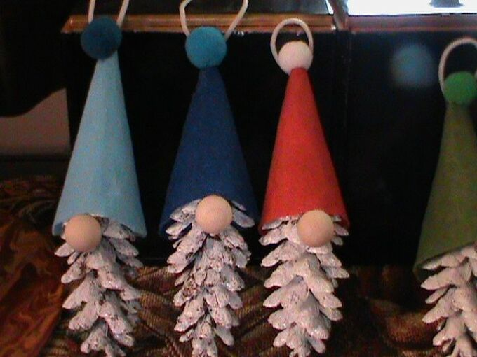 how to make pine cone gnome ornaments