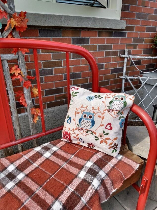 making outdoor fall cushions from dollar store tote bags