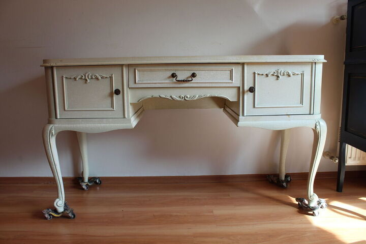 you need to see this vintage vanity makeover