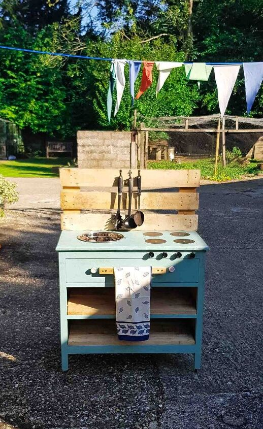 cheap mud kitchen from upcycled junk