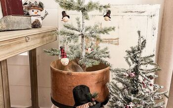 2 Easy Steps to Flock a Christmas Tree & More