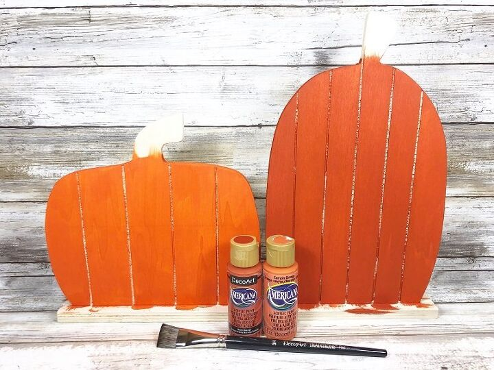 faux quilted pallet pumpkins
