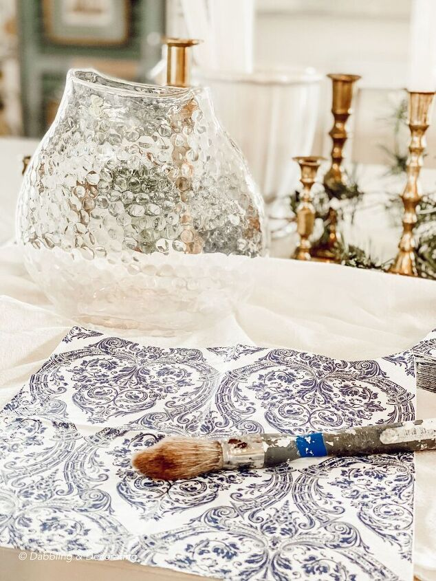 how to transform an old vase into a beautiful looking antique treasure
