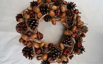How To Make An Easy Acorn And Pinecone Wreath