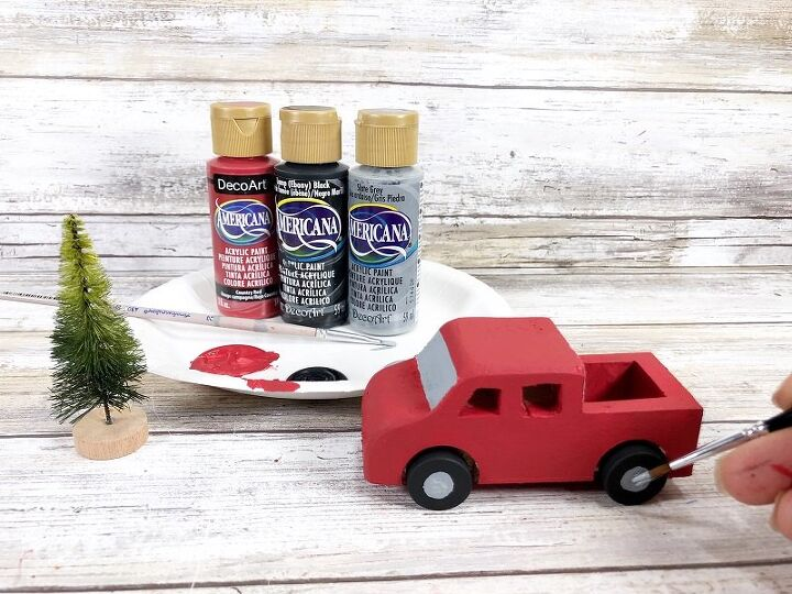 15 minute red christmas truck snowglobe