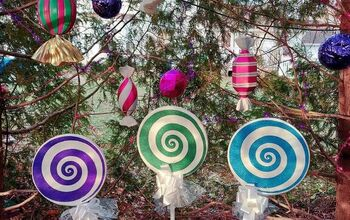 Giant Lollipops for a Candyland Christmas!