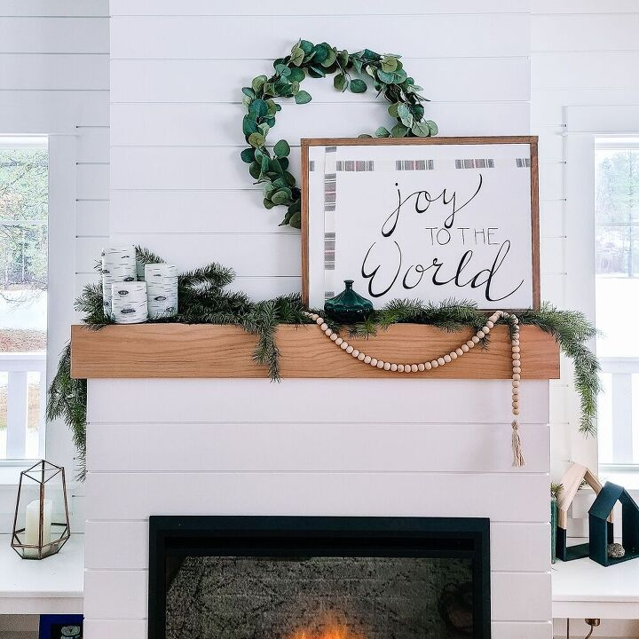 upcycle an old canvas into a christmas sign
