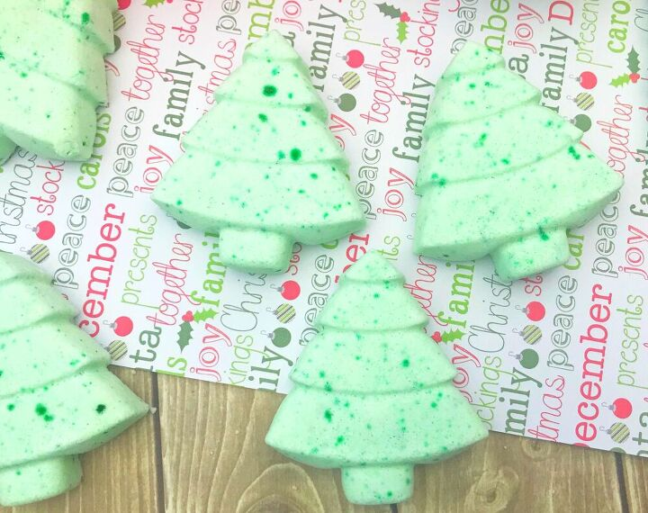 christmas tree bath bomb fizzies 4 ingredients