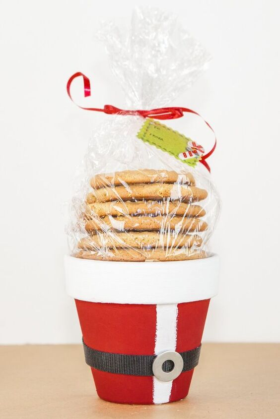 santa clause christmas cookie clay pot