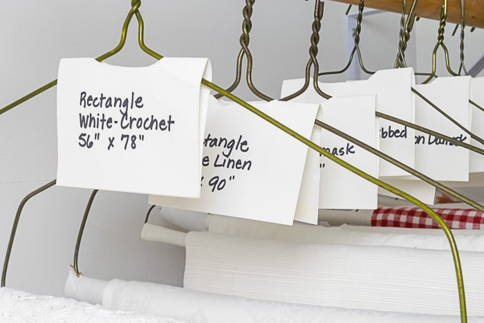 how to organize table linens