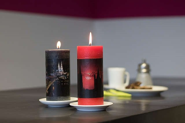 photo candle souvenirs with a personal touch