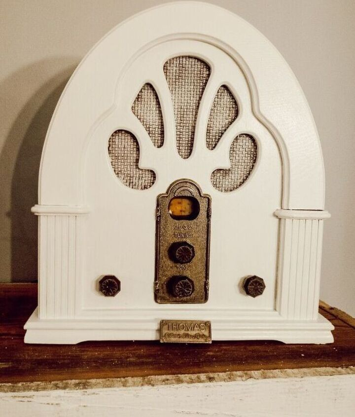 How To Paint A Vintage Radio