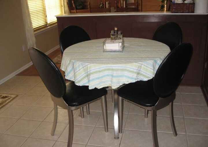how to make a diy banquette seating for small spaces