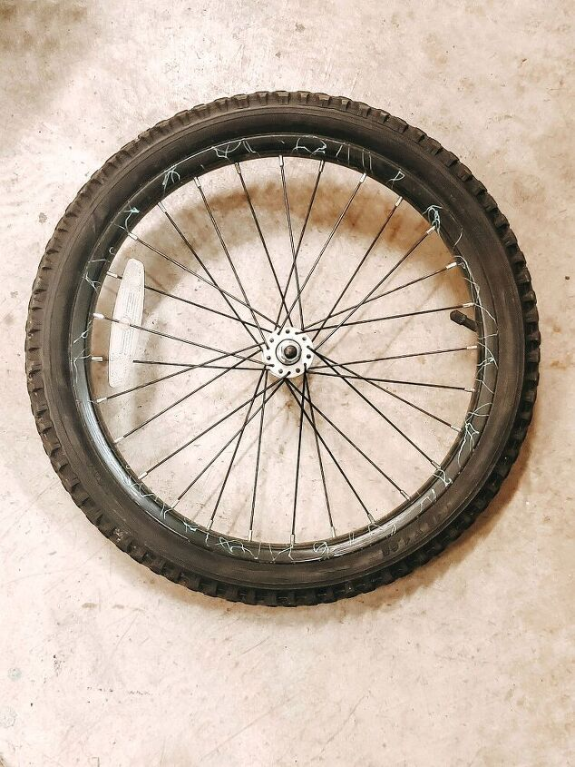 diy bicycle wheel wreath