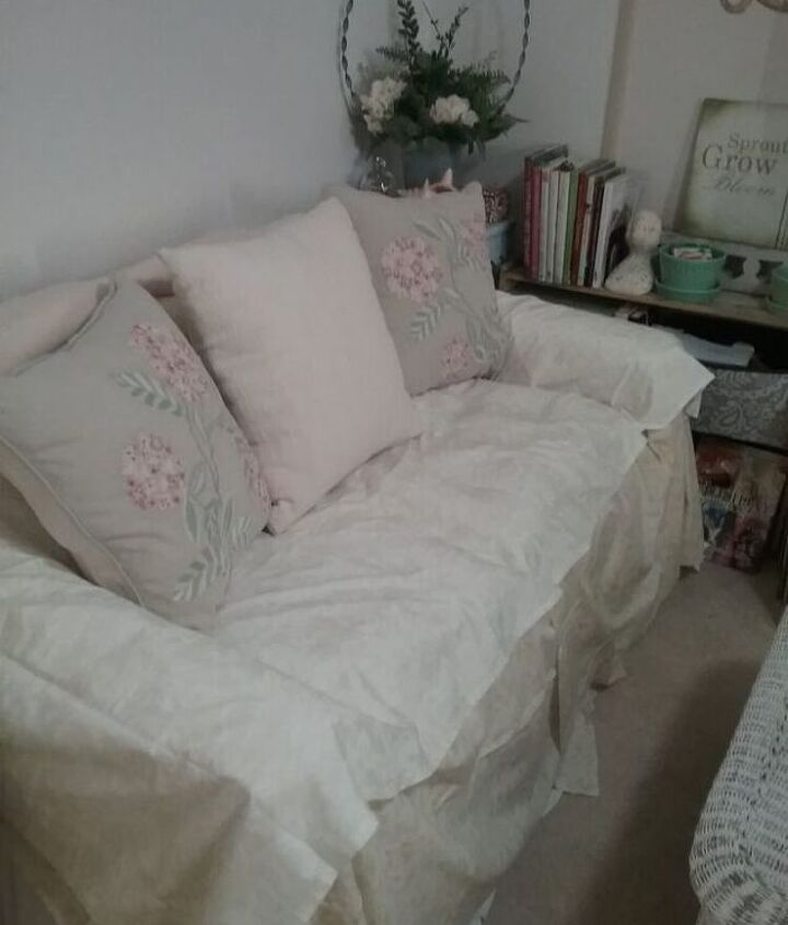 """Simple """"Slipcover"""" Technique to Update a Couch or Loveseat"""