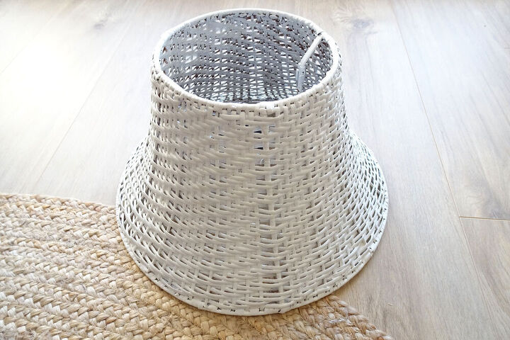 easy wrapped lampshade makeover
