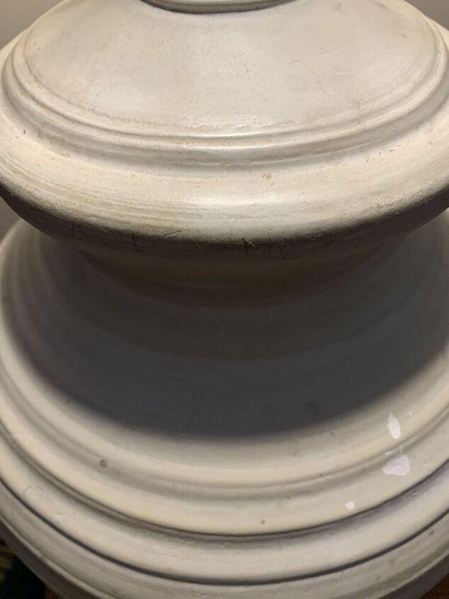 q looking to refurbish and repaint a lamp