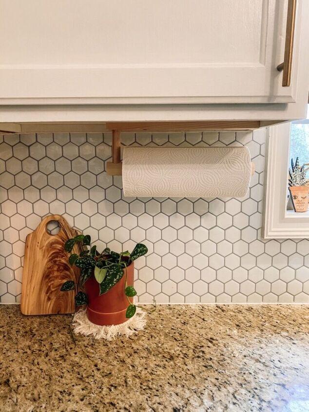 minimal paper towel holder